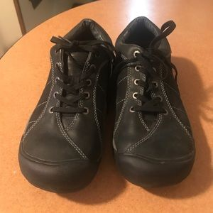 Keen black and gray leather shoes
